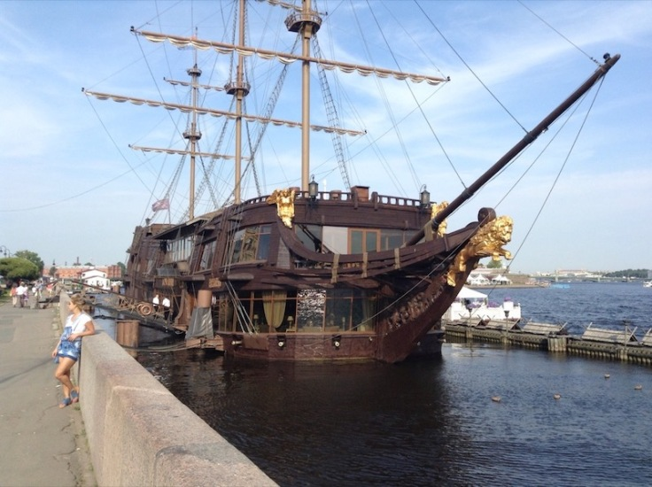 Big pretend-ship-restaurant in St Petersburg