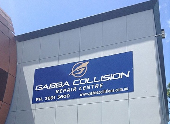 Sign: Gabba Collision Repair Centre
