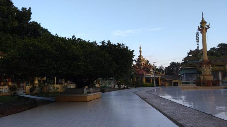 Temple plaza