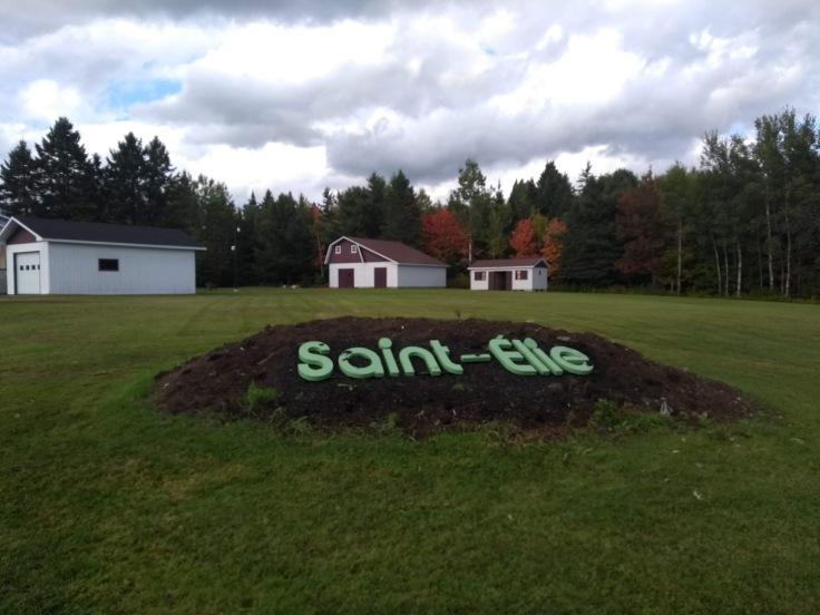 Saint-Élie sign, outskirts of the village