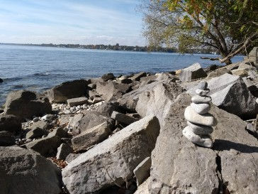 Cairn at Lemoine point