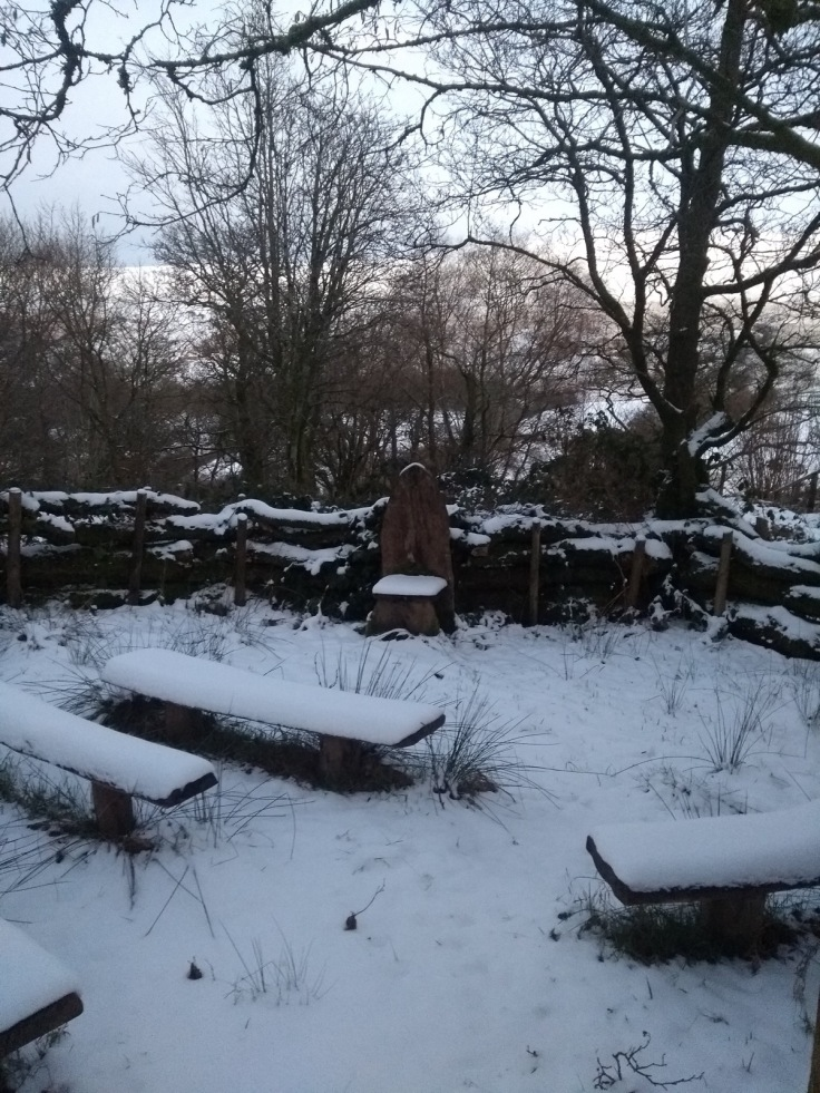 Snowy story circle