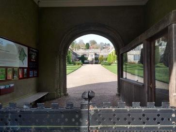 Lanhydrock house, entry gateway