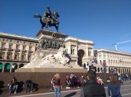 Statua di Vittorio Emanuele II a cavallo