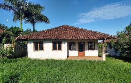 House for sale, garden unkempt till it is taken on