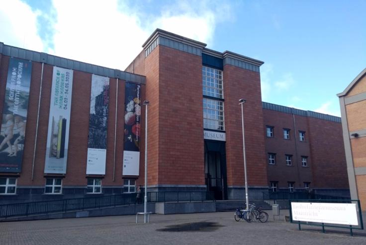 Bonnefantenmuseum, a brick edifice